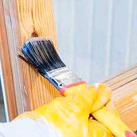 Окраска ранее обработанных окон и дверей краской